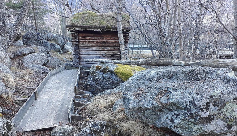 Die kleinen Wassermühlen an der Leine in Vang.