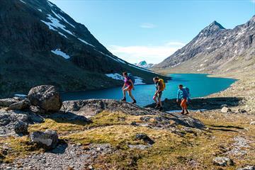 Hiking through Svartdalen