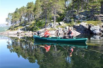 Guidet familietur med kano på Øyangen