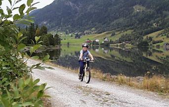 Sykkeltur rundt Strandafjorden