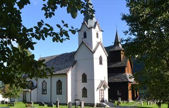Torpo kirke og Torpo Stavkyrkje