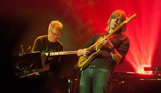 Mike Stern & Jan Gunnar Hoff
