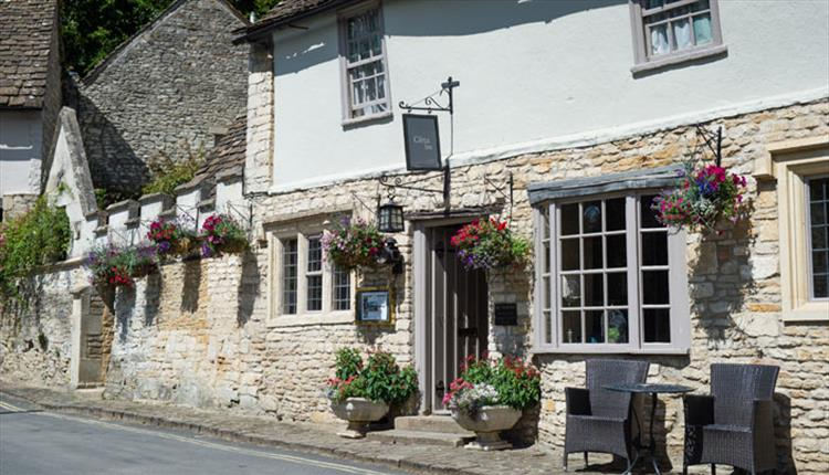 Castle Inn Accommodation at Castle Combe