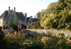 Avebury Manor Garden, Alexander Keiller Museum and Stone Circle