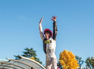 Frankie Dettori's flying dismount | QIPCO British Champions Day at Ascot Racecourse
