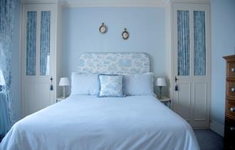 St Mary's Cottage Windsor bedroom