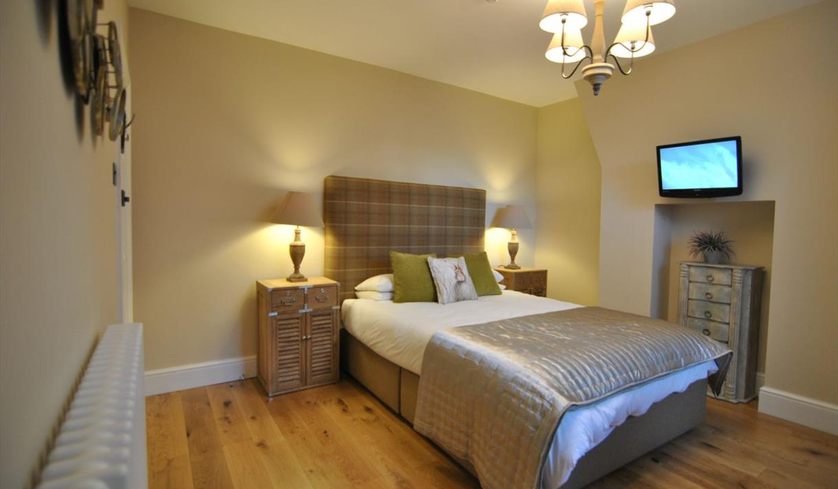 Alma House bedroom