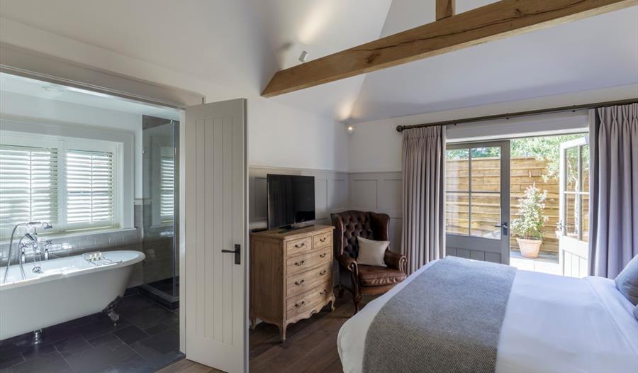 Hurley House Hotel bedroom
