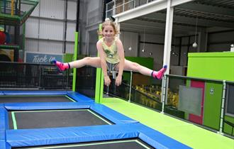 Girl on trampoline, Jump In Trampoline Arena