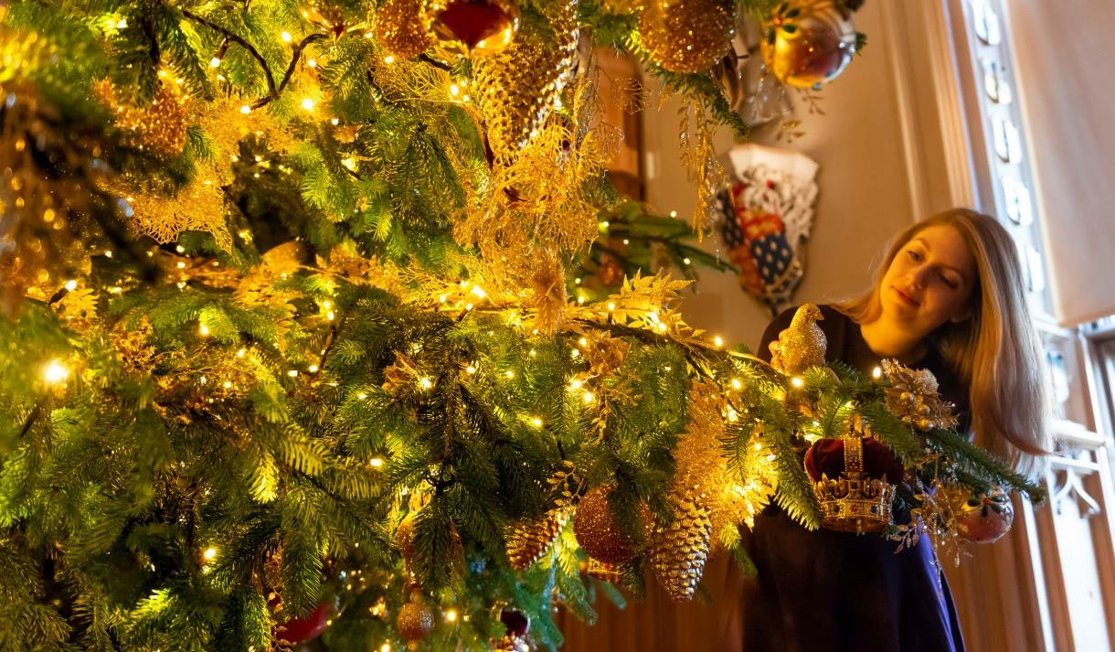 Christmas tree at Windsor Castle.  Royal Collection Trust/© Her Majesty Queen Elizabeth II 2020