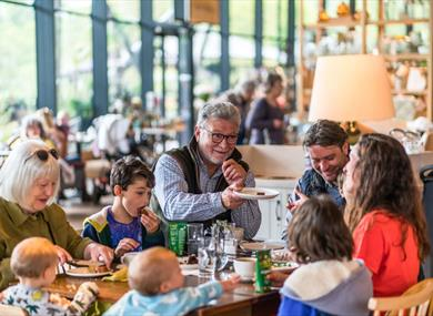 Eating and Drinking at The Savill Garden: The Savill Garden Kitchen run by Benugos