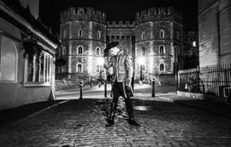 Windsor Ghost Tours   Black and White   Henry VIII Gate