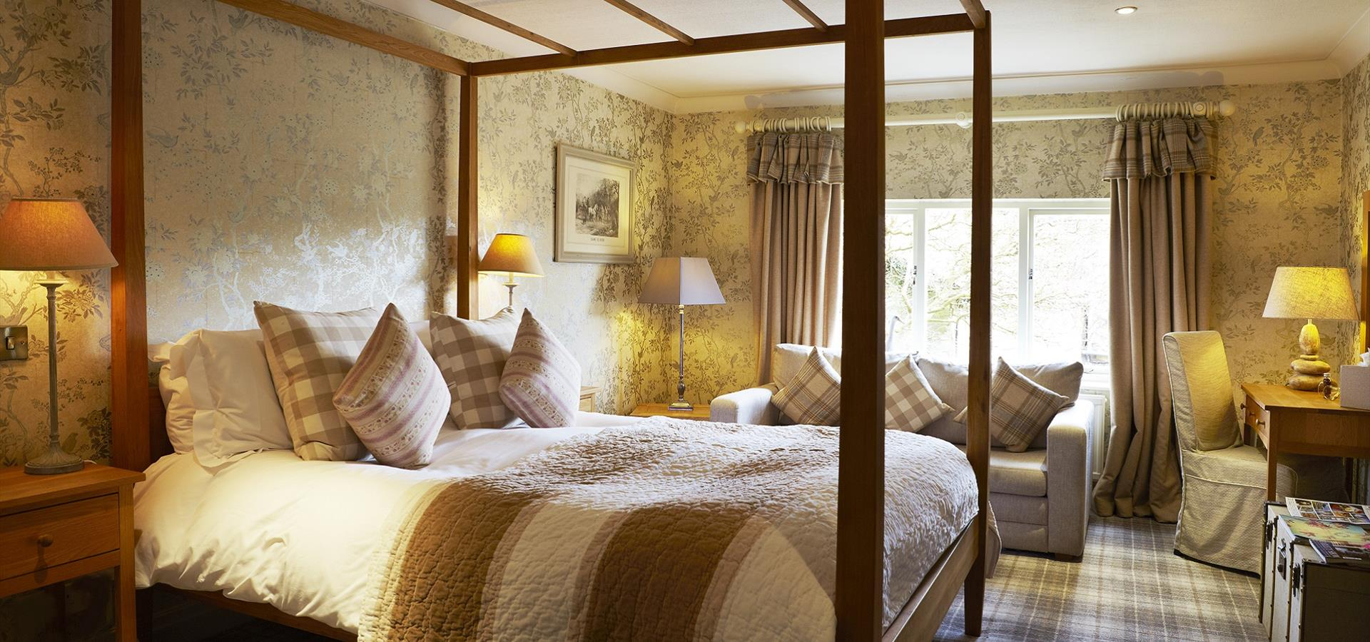 An image of Four Poster Bed Hotel Room, Scarborough - David Chalmers