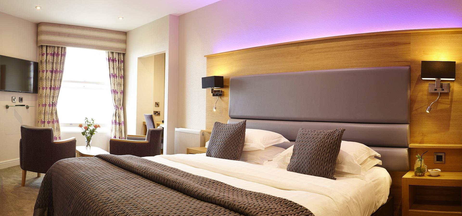 Scarborough Hotel, David Chalmers