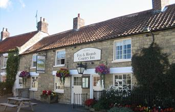 An Image of Fox and Hounds Country Inn