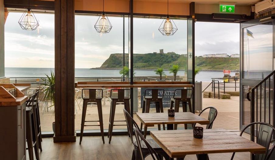 images of saltwater cafe-bar