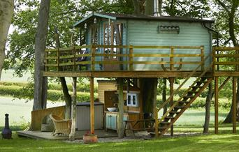 Dale Farm Treehouse