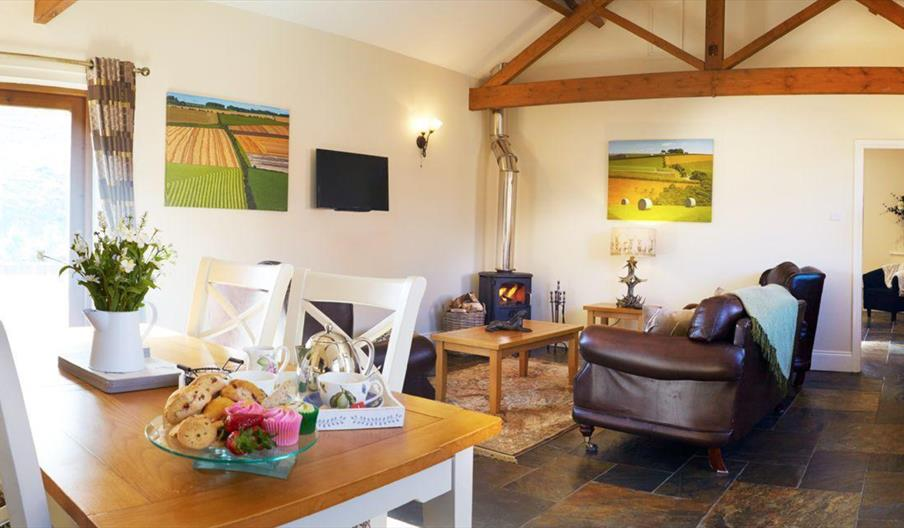 Humble Bee Farm Cottages - Swallows Nest