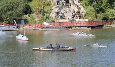 Peasholm Park Naval Warefare