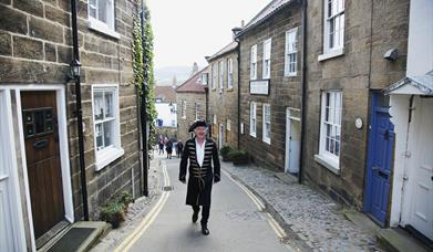 image of robin hoods bay smugglers walks