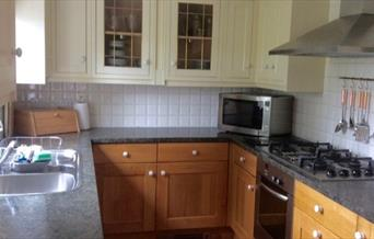 An image of the kitchen at Woodside Cottage