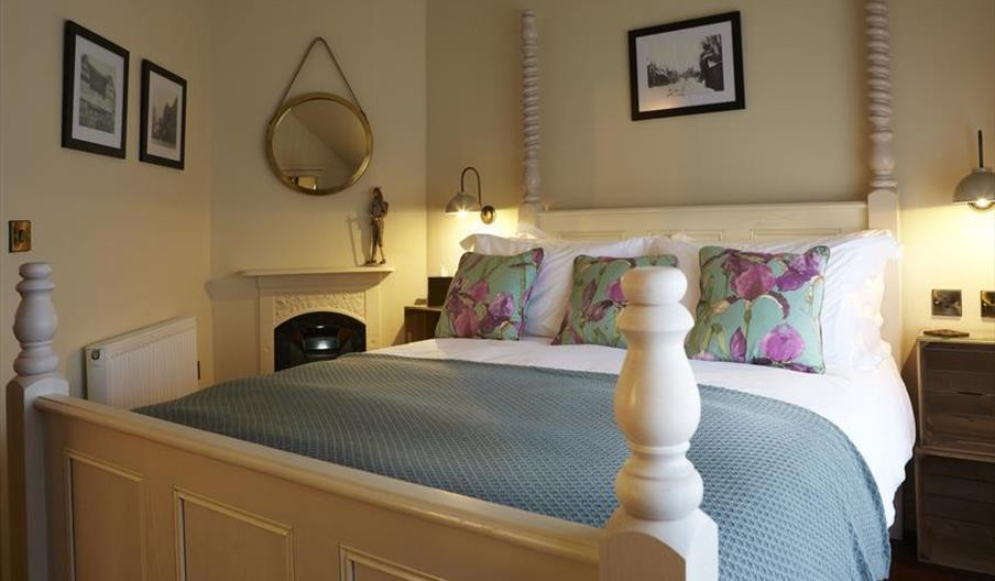 An image of The Copper Horse - Sunbeam Cottage bedroom